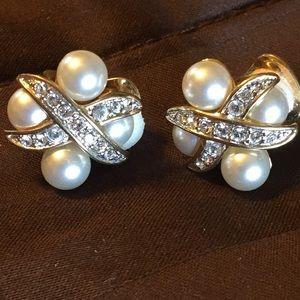 Nolan Miller faux pearl clip on earrings